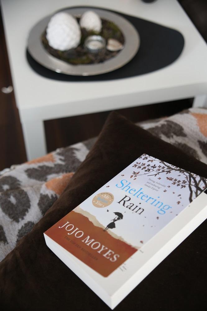 Sheltering Rain von Jojo Moyes | Rezension auf Gemischte Tüte Glück